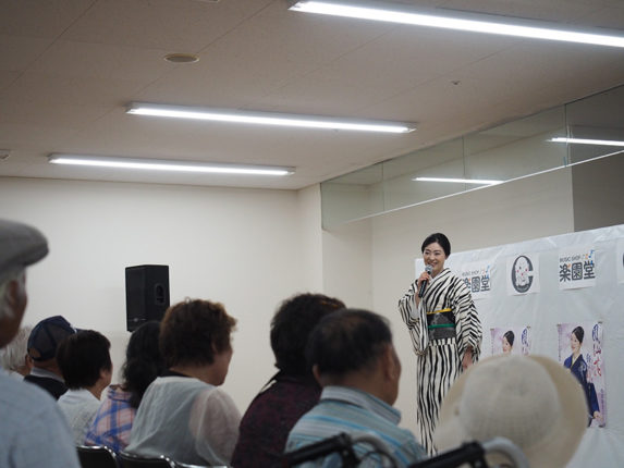 小沢あきこ 鳳仙花 P5283741